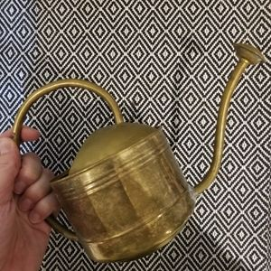 😸 Vintage Brass Watering Can